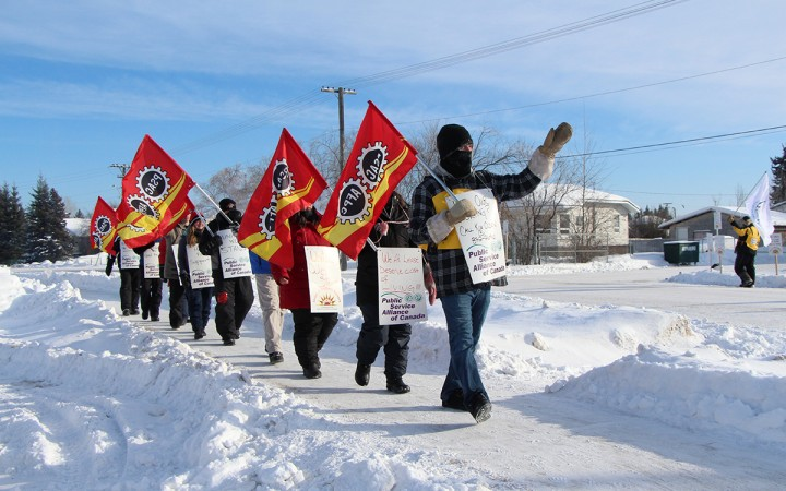 Picket lines align in Fort Smith last Tuesday with a visit from striking municipal employees from Hay River, who joined fellow strikers with the Fort Smith Housing Authority in solidarity for an afternoon that included a community lunch.
