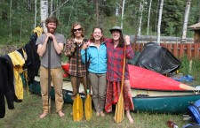 Alberta paddlers canoe 2,200 km to Fort Simpson